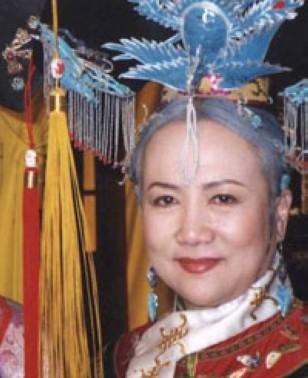 家庭:丈夫李法曾,儿子李东  简介:赵敏芬因在《还珠格格》中扮演皇图片