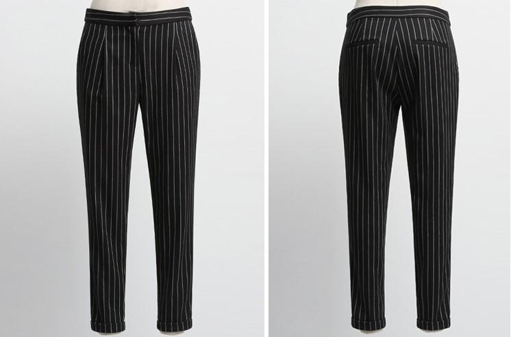 超级ol气质的一款西装裤,休闲小脚9分裤,竖条纹黑底更是最佳显瘦的