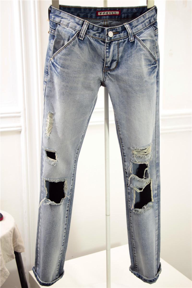 破洞显瘦牛仔裤