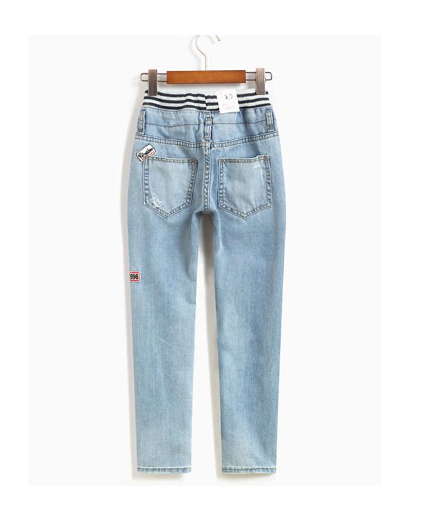 小清新贴布破洞牛仔裤