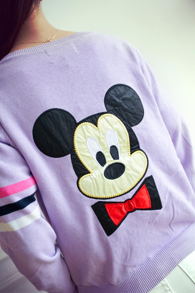米老鼠图案针织衫