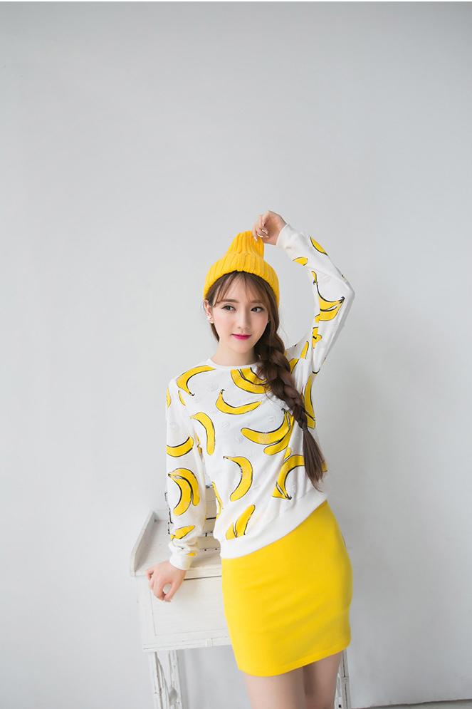 甜美的banana图案,梦幻的童真设计将衣服衬托得更加可爱清新!