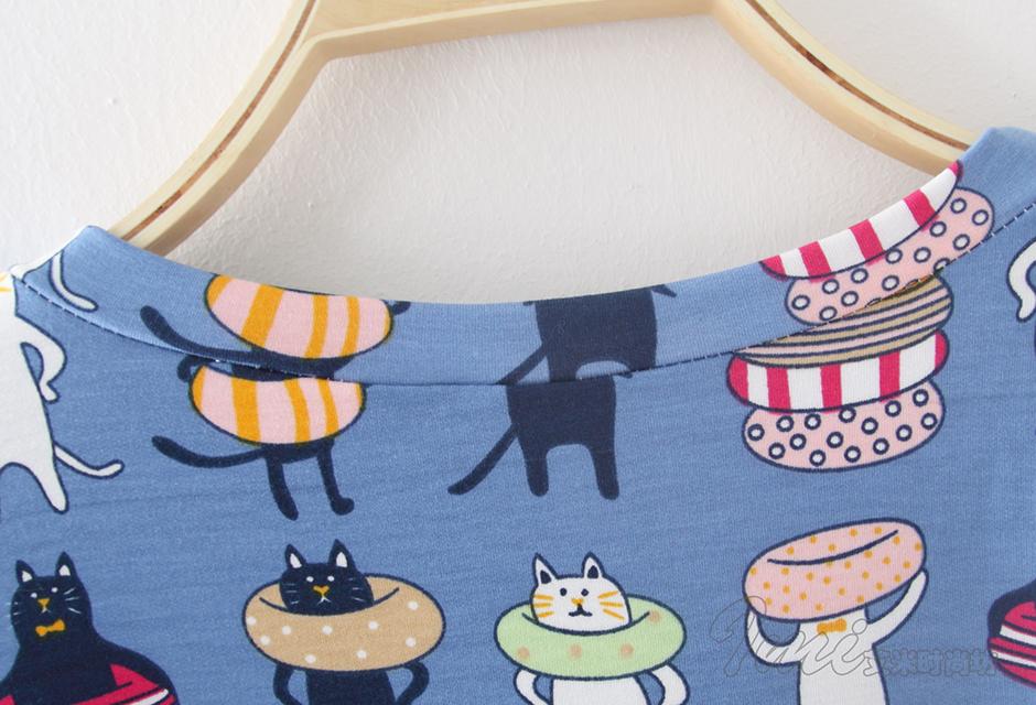 卡通小猫游泳圈七分袖t恤