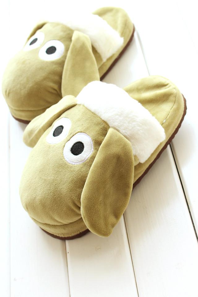 超级可爱小羊肖恩毛绒棉拖鞋