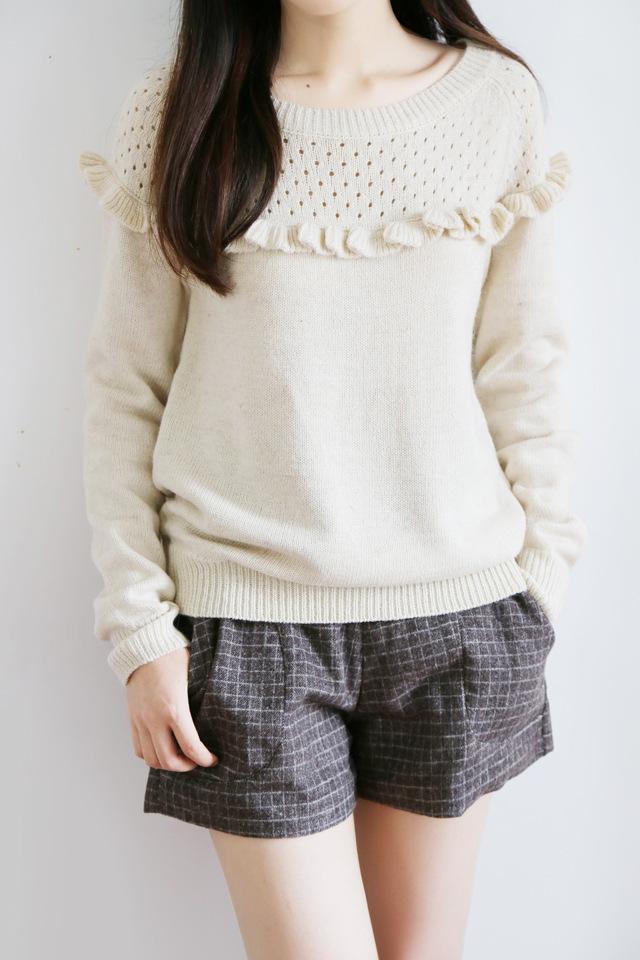 甜美木耳边针织毛衣