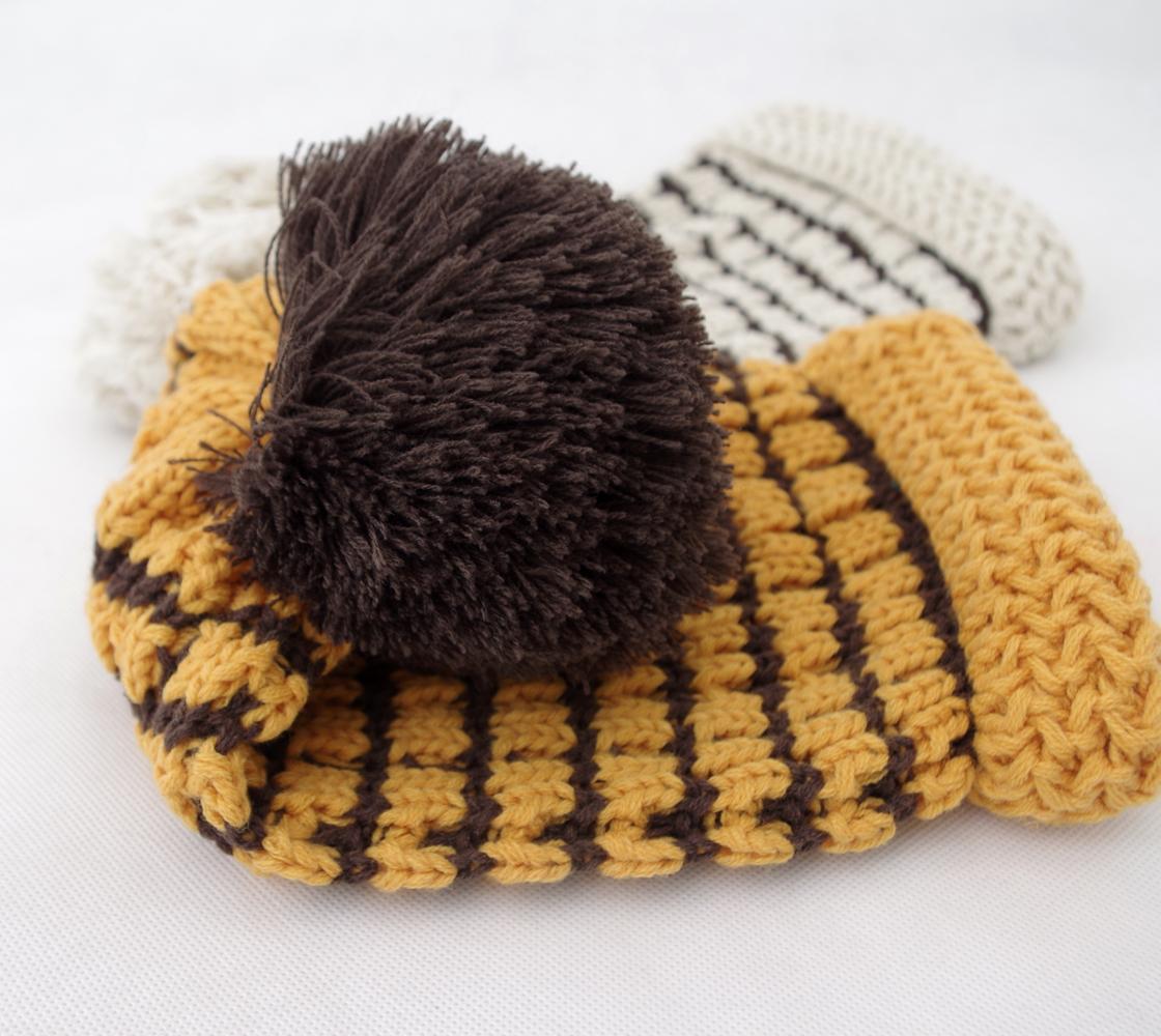 秋冬大球方块双色毛线帽子