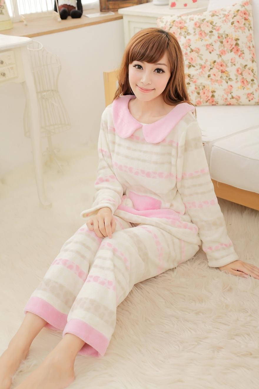 可爱邻家女孩珊瑚绒睡衣
