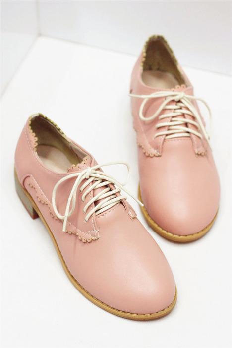 粉色花边系带小皮鞋