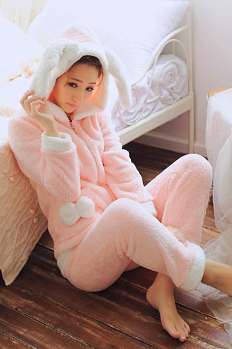 冬季珊瑚绒睡衣可爱家居服