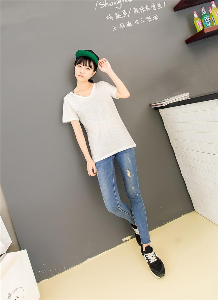 中腰  裤型:小脚/铅笔裤  面料:牛仔布  厚薄:普通  细节:水洗,破洞
