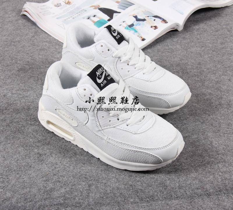 小清新耐克纯白气垫运动鞋