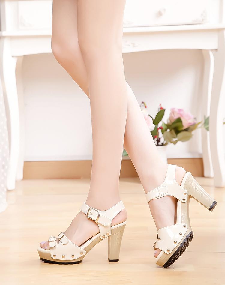 时尚女凉鞋品牌有哪些呢