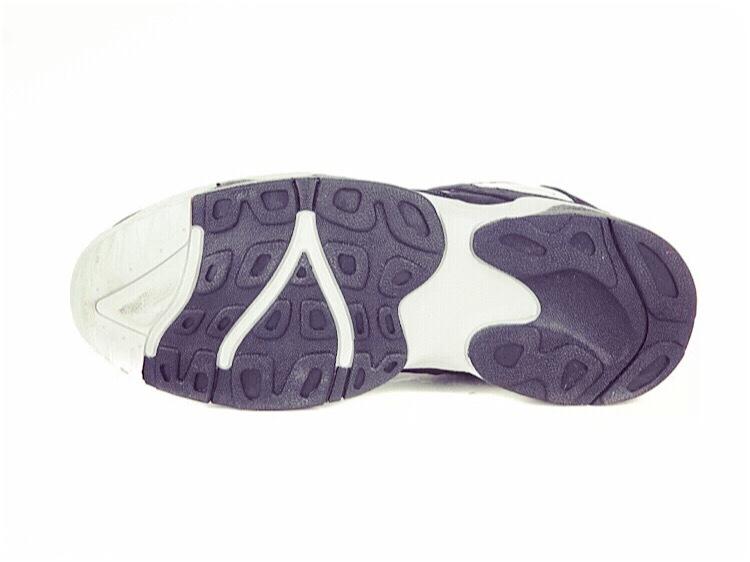 超百搭黑白运动鞋-来自蘑菇街优店