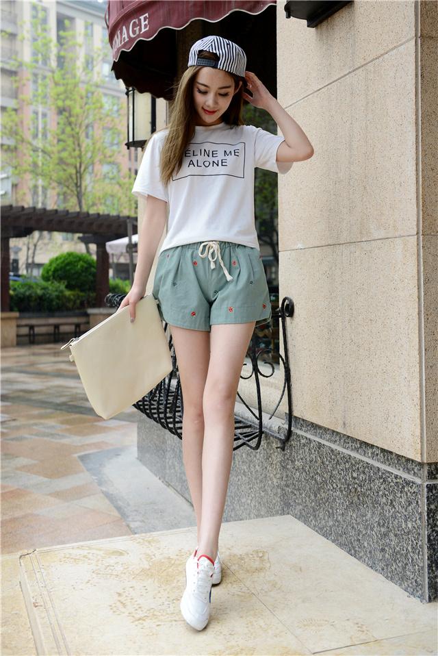 韩版宽松可爱蘑菇刺绣短裤