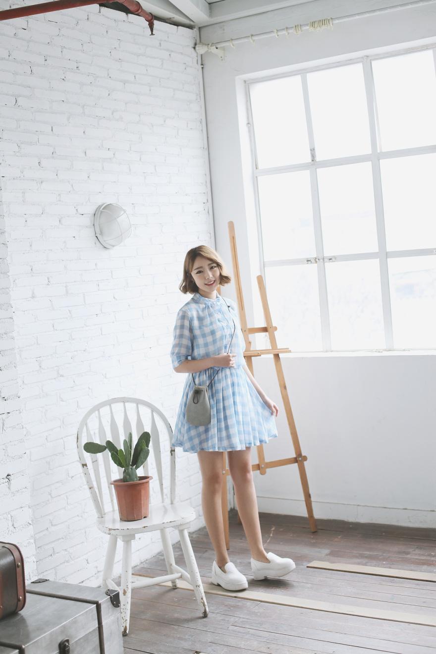韩范小清新格子连衣裙