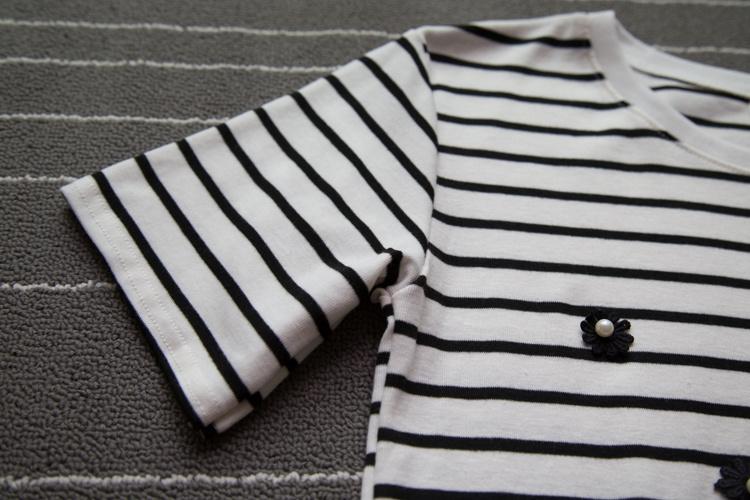 小清新花朵横条纹短袖t恤
