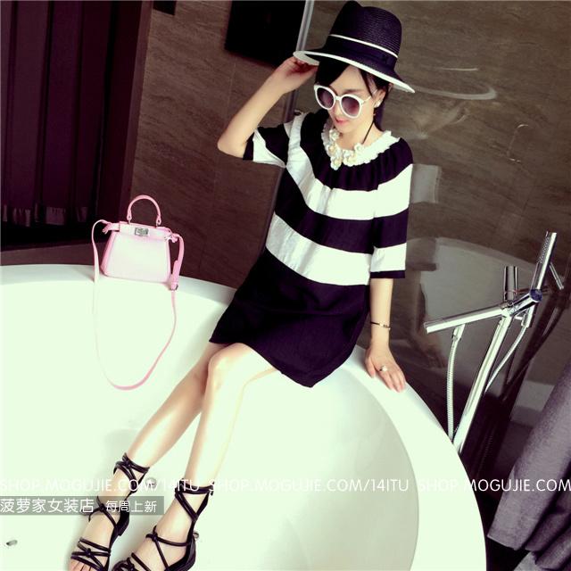 【菠萝家】黑白条纹宽松连衣裙