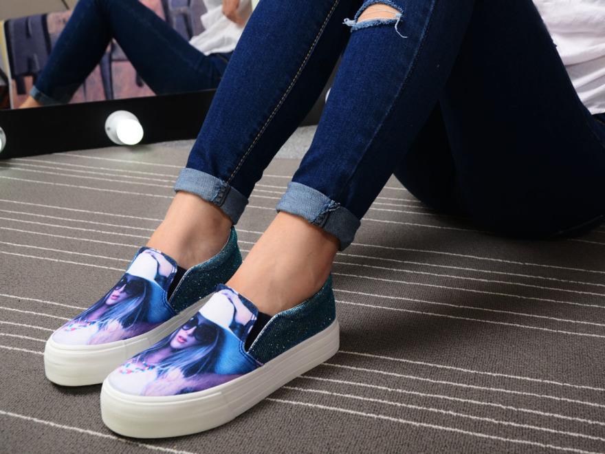 夏季新款3d印花美女头像帆布鞋穿着效果