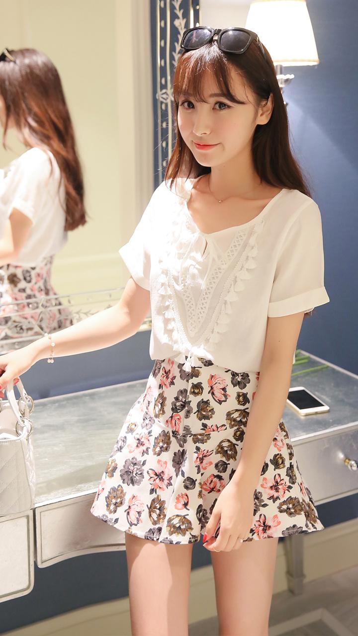 【手工流苏花边白上衣+印花裤裙】-衣服-套装/学生