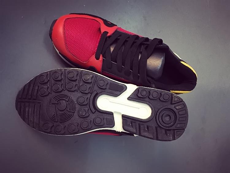 时尚撞色潮流运动鞋
