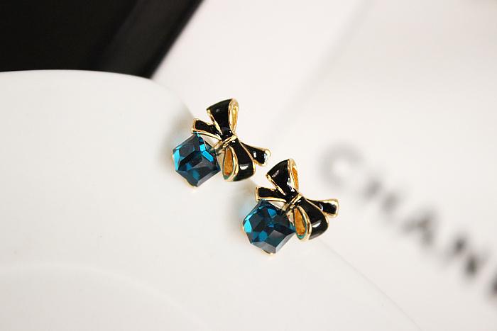 韩国韩版清新蝴蝶结海洋蓝方形水晶宝石耳钉无耳洞耳夹耳环女整体款式图片