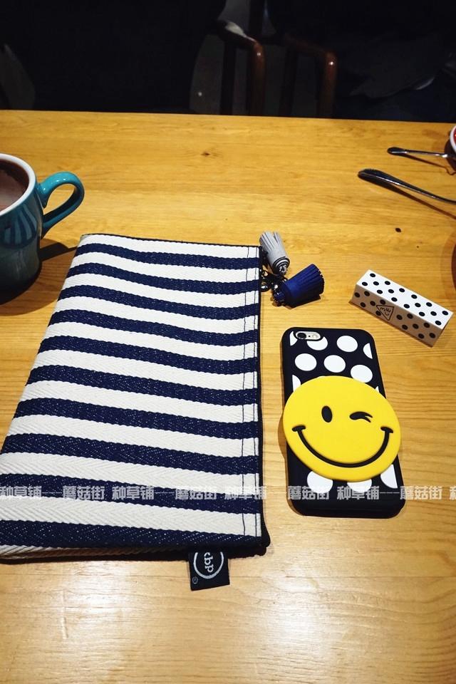 【种草铺】韩国黑白笑脸iphone硅胶手机壳