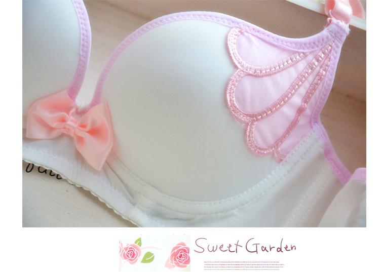 日系可爱甜美风小翅膀卡通调整型少女内衣文胸套装