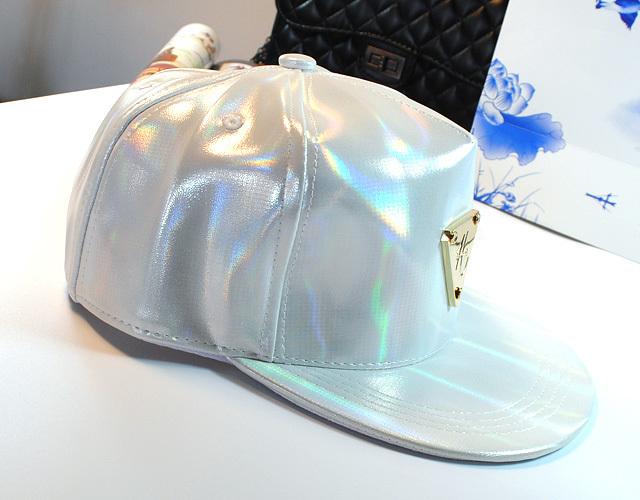 时尚前卫镭射三角形皮质棒球帽帽子