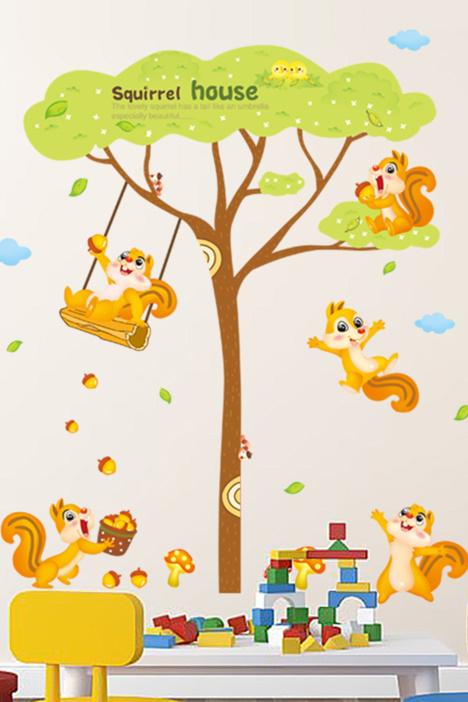儿童房贴画,动物贴纸,松鼠贴画,卡通壁纸,幼儿园贴画,床头装饰壁纸