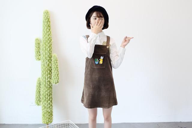 【夏季新款 学院风灯芯绒口袋胸针可爱背带裙】-衣服