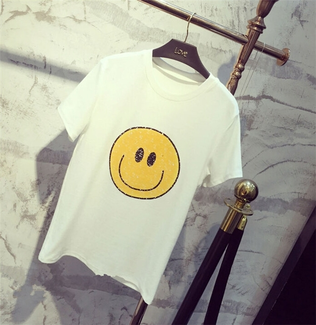 商品描述 可爱的笑脸图案,简约范十足 产品参数 细节:其他 袖型:常规