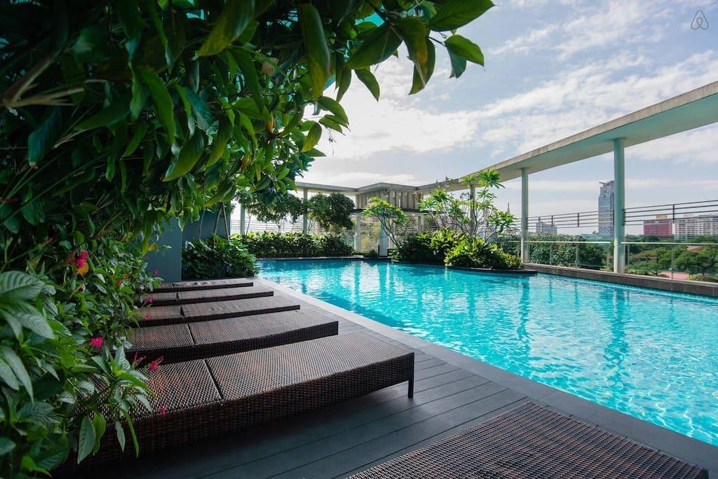 5星级公寓酒店,位于风景优美的双峰塔区,可以俯瞰吉隆坡,配备健身
